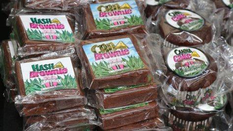 CBD Edibles als Brownie und Cake