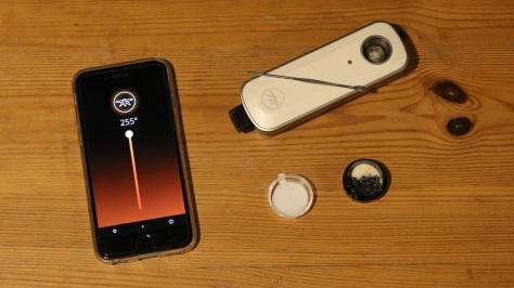 iPhone und ein Firefly 2 Vaporizer