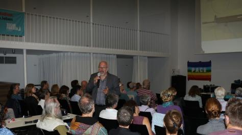 Jürgen Grässlin bei einem Vortrag in Münster