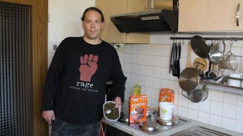 In der Küche nach dem Hanföl machen
